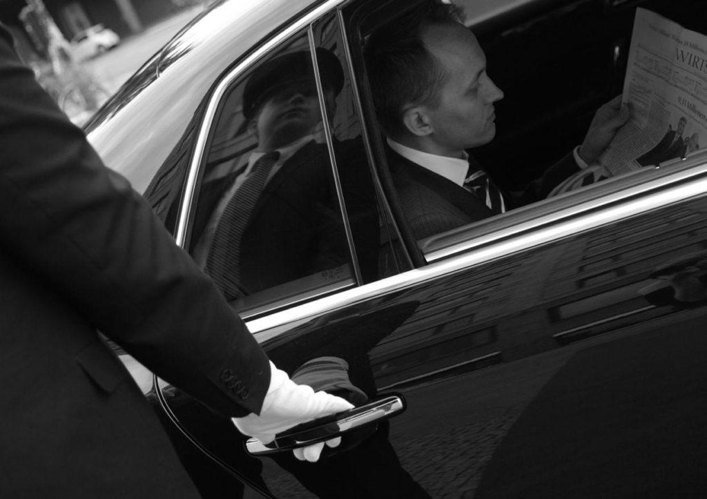MGA Limousine Moves - Worldwide Chauffeur - Chi Siamo
